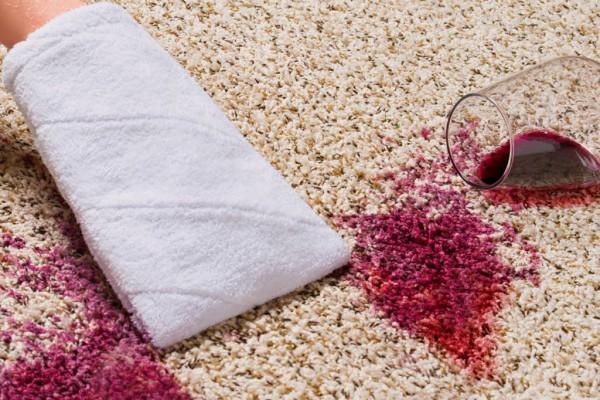 Reinigungshandschuh-f-r-Textilien-Nah-Fleck-Rotwein-WEB-KLEIN